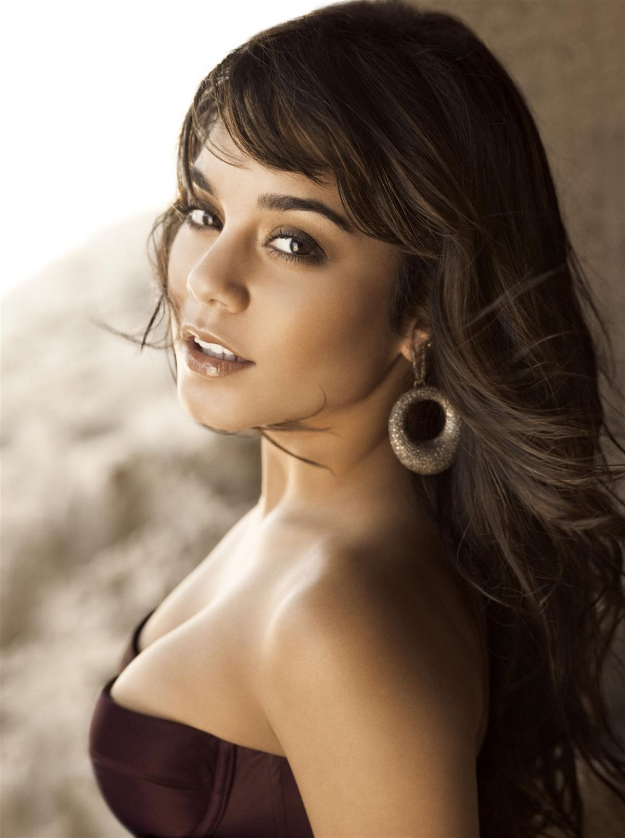Vanessa Hudgens Photoshoot for ALLURE Magazine - October 2009