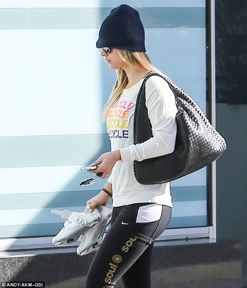 Kaley Cuoco Attends SoulCycle in West Hollywood