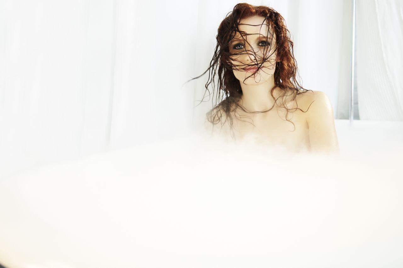 Volume Scott Tj 2 Tub Chorostecki Lara For Jean In The Photoshoot nO0Pkw