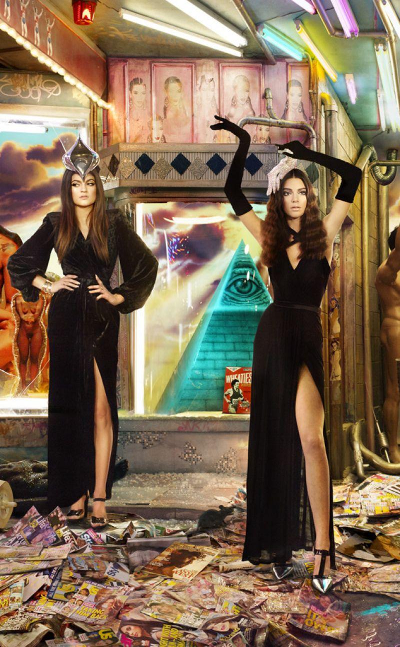 2013 Kardashian/Jenner Christmas Card