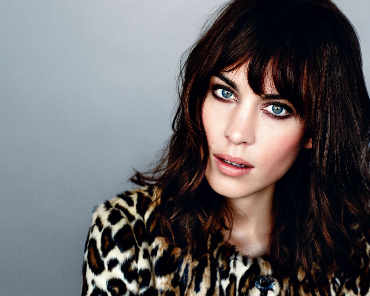 Alexa Chung - GLAMOUR Magazine (UK) - January 2014 Issue