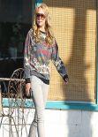 Amanda Bynes Street Style - Shopping in Los Angeles - Dec. 2013