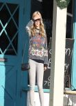 Amanda Bynes Street Style - Shopping in Los Angeles - Dec. 2013