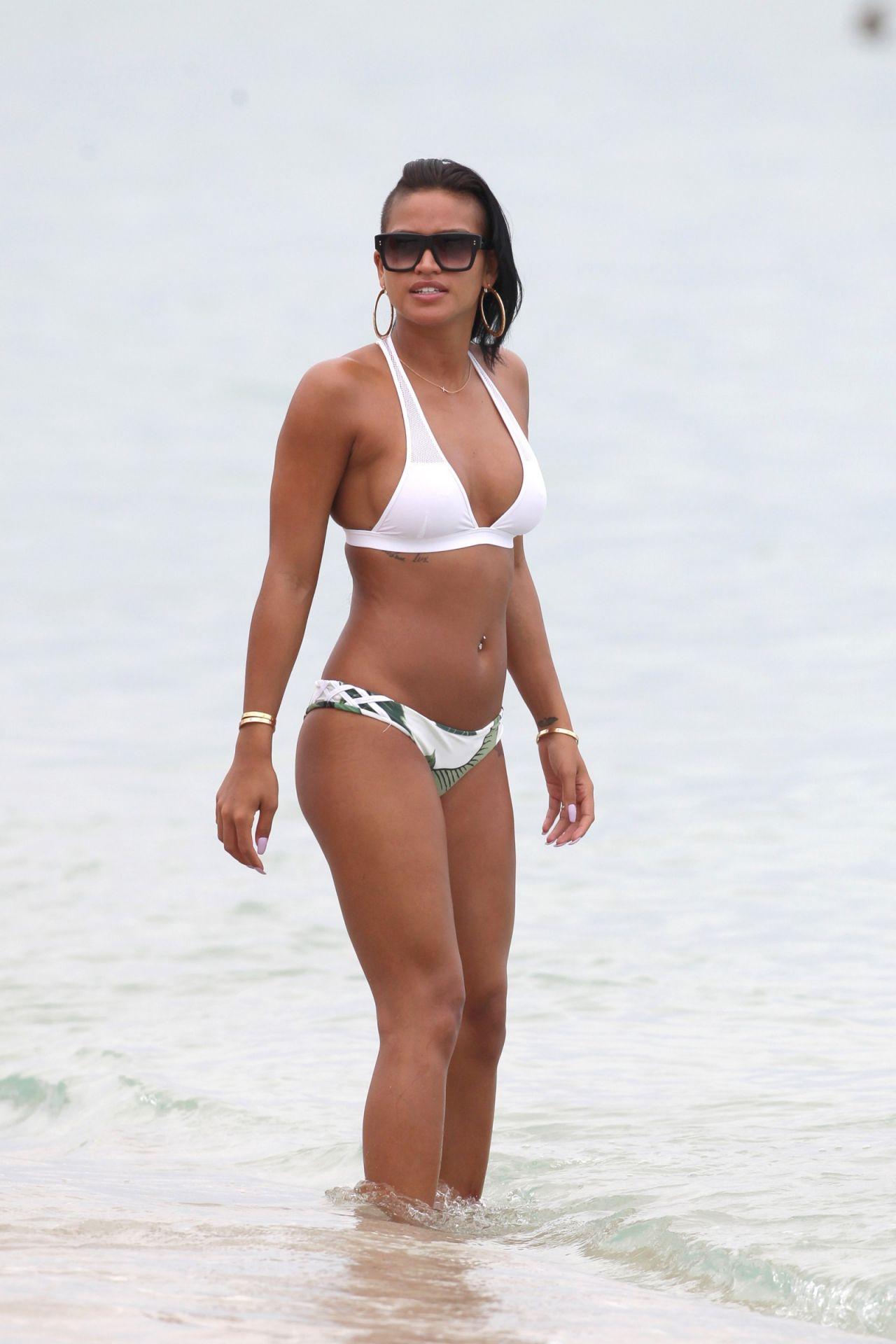 Cassie ventura bikini pics