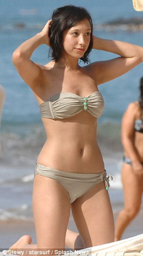 Cheryl Burke in a Bikini - Beach in Maui - December 2013