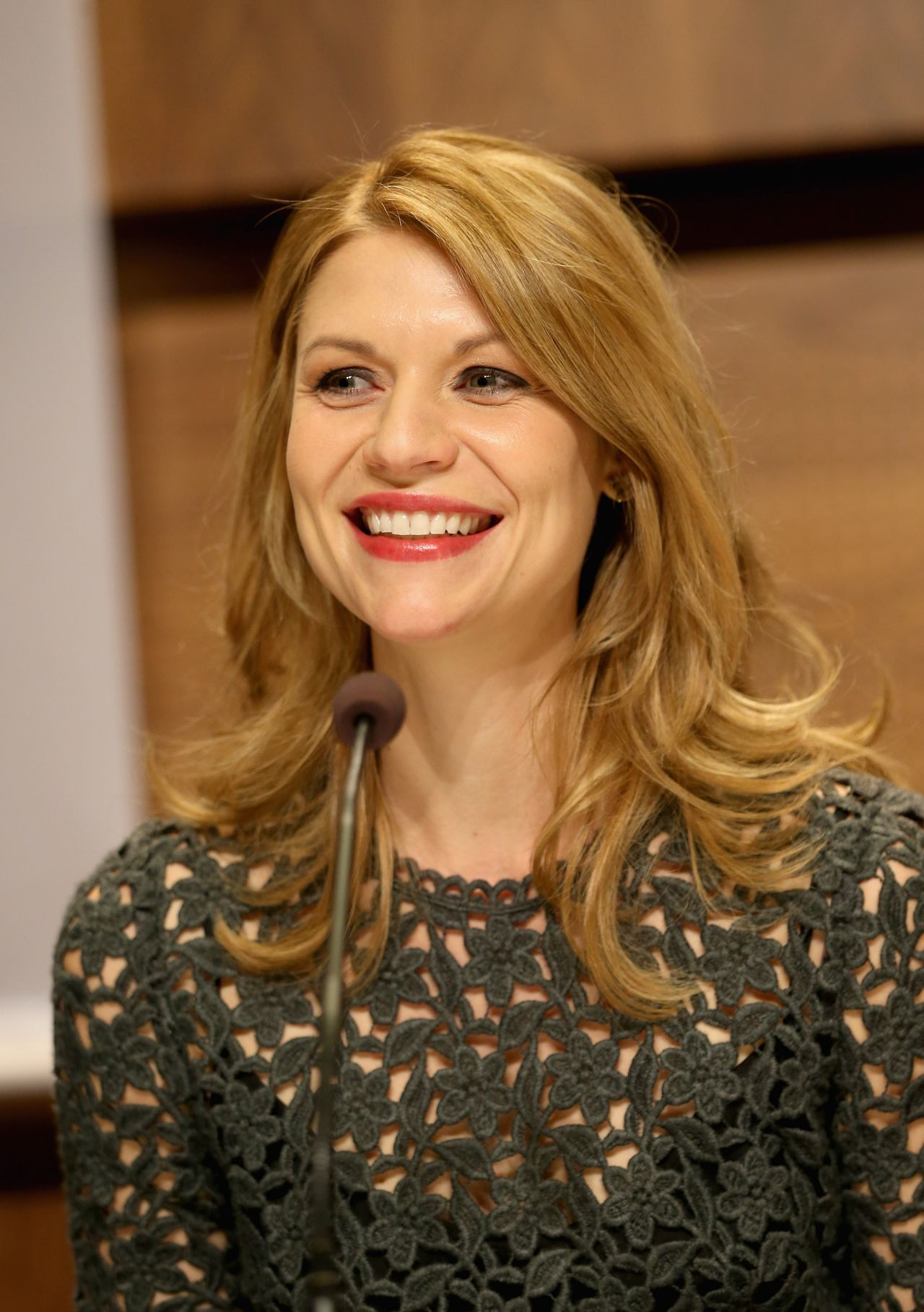 Claire Danes - 20th Annual Nobel Peace Prize Press Conference in Oslo - December 2013