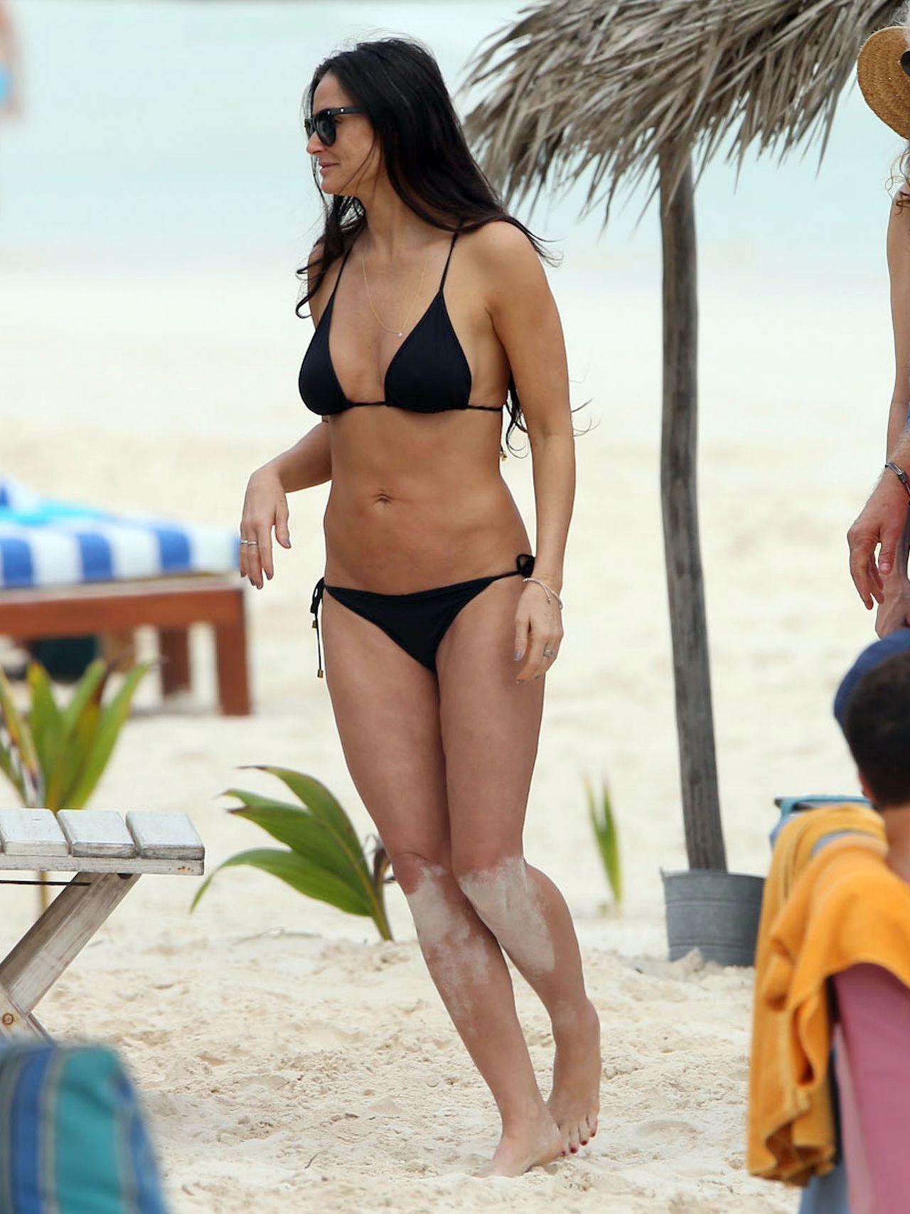 Demi Moore Bikini Photos - Mexico, December 29, 2013-1432