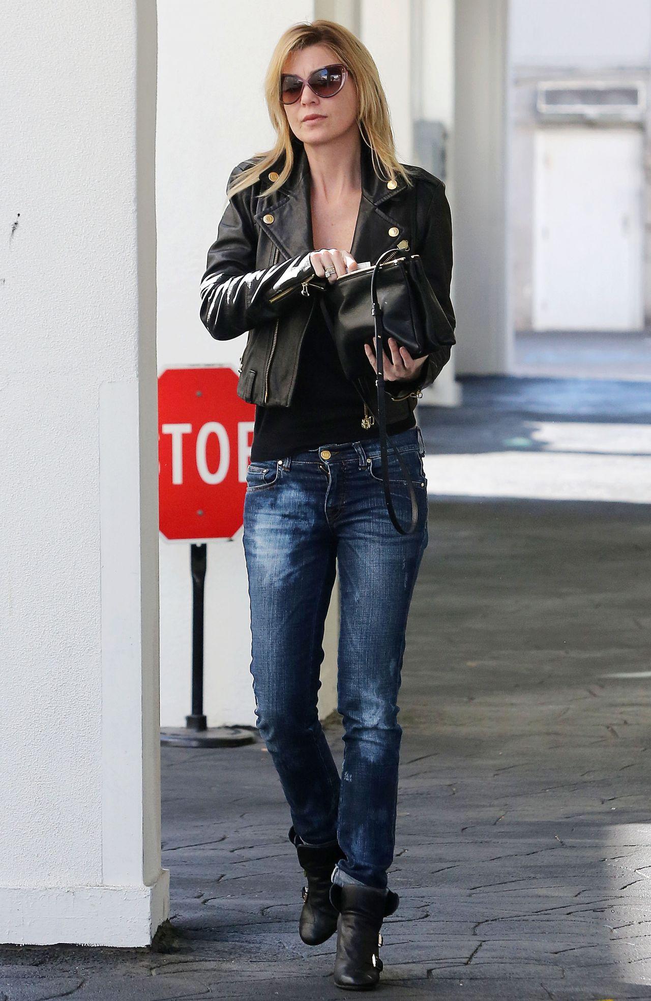 Ellen Pompeo Street Style In Jeans In Beverly Hills