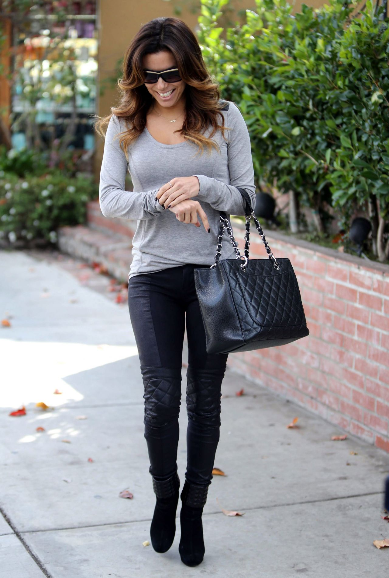 Eva Longoria Street Style At The Ken Paves Salon And Lax In Los Angeles