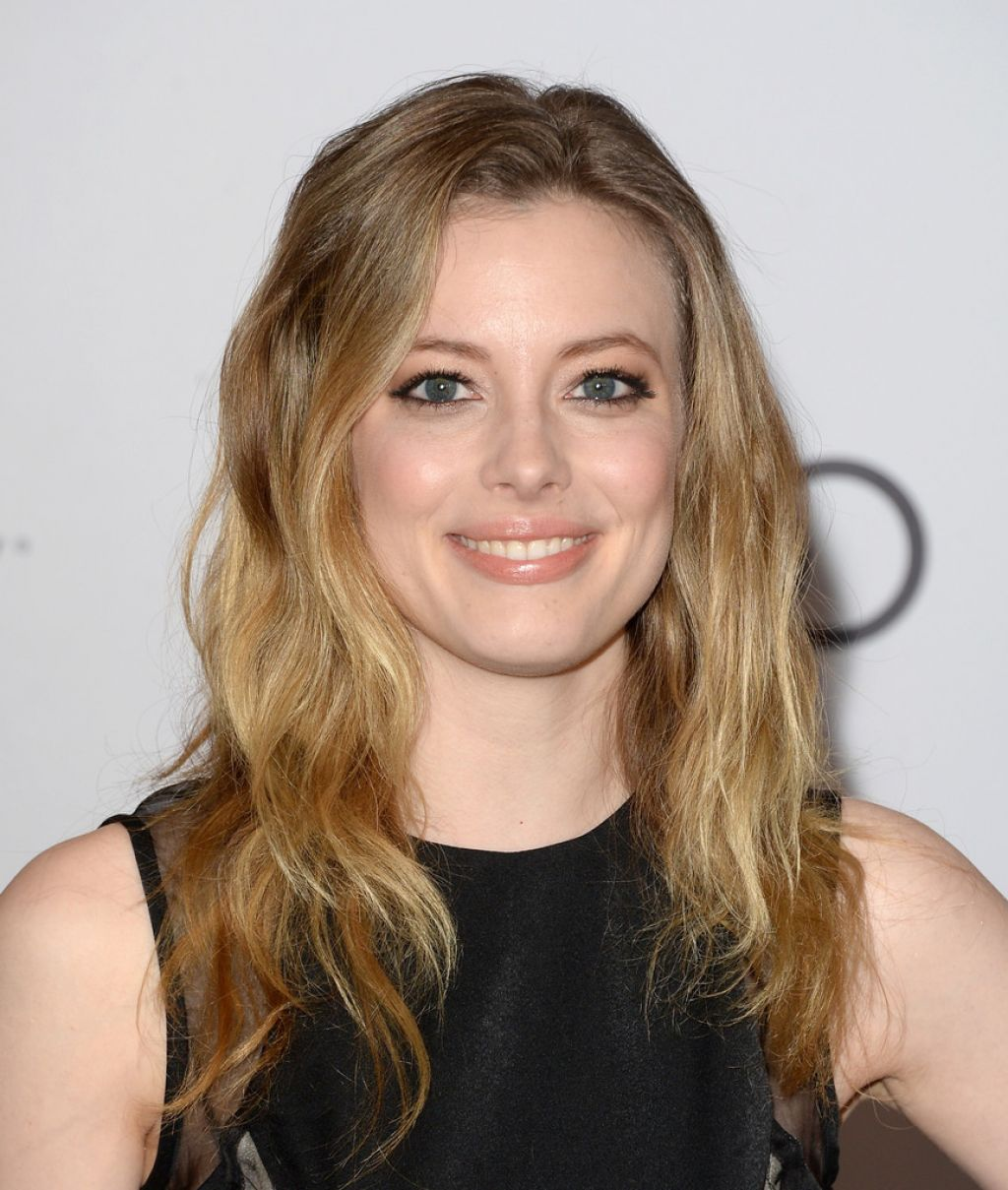 Gillian Jacobs Red Carpet Photos - THR