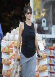 Halle Berry Street Style - Post-baby Shopping at Bristol Farms in Los Angeles - December 2013