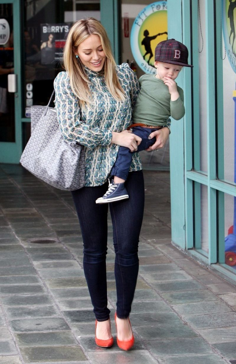 Hilary Duff Street Style- Out in Los Angeles - December 2013