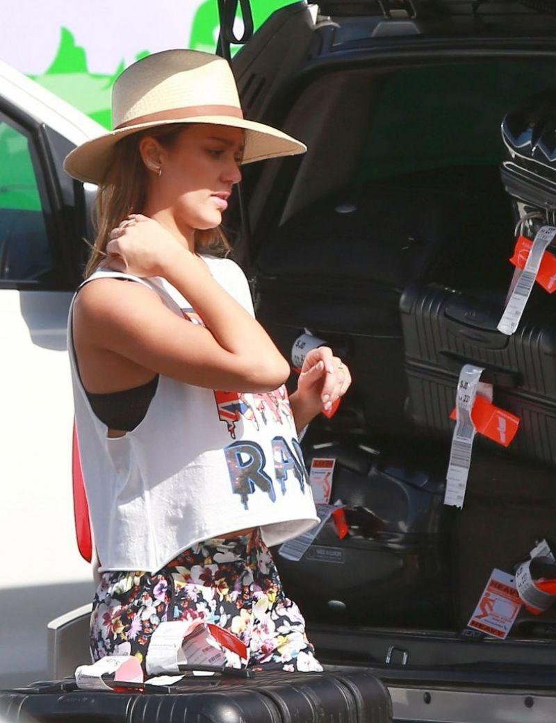 Jessica Alba Street Style - Los Cabos, December 2013