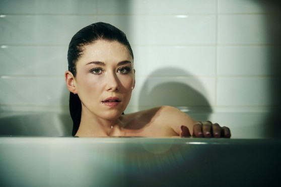jewel-staite-tj-scott-photoshoot-for-his-in-the-tub-book_3