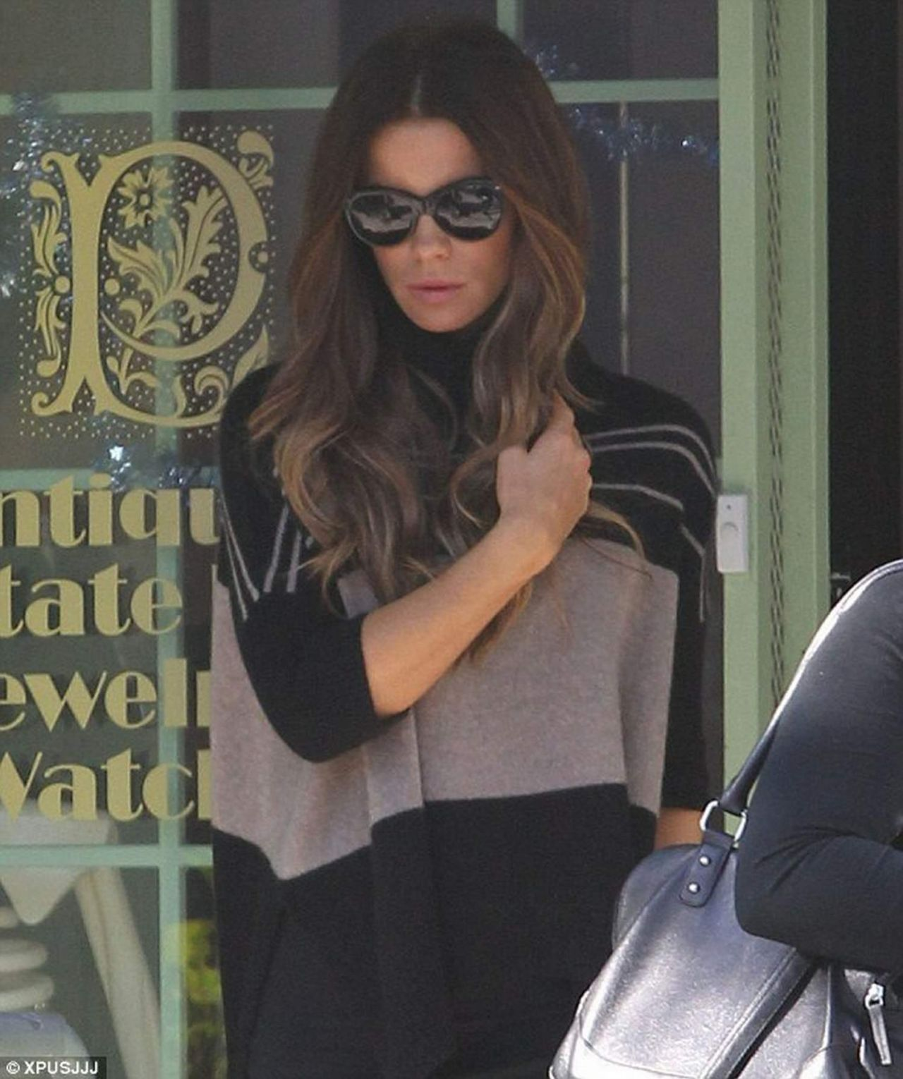 kate beckinsale street style visits jewlery store in