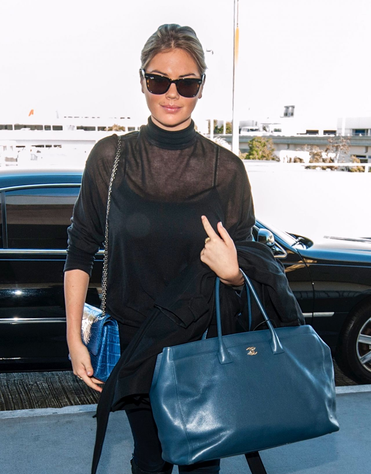 Kate Upton Street Style  - at LAX Airport in Los Angeles - November 2013