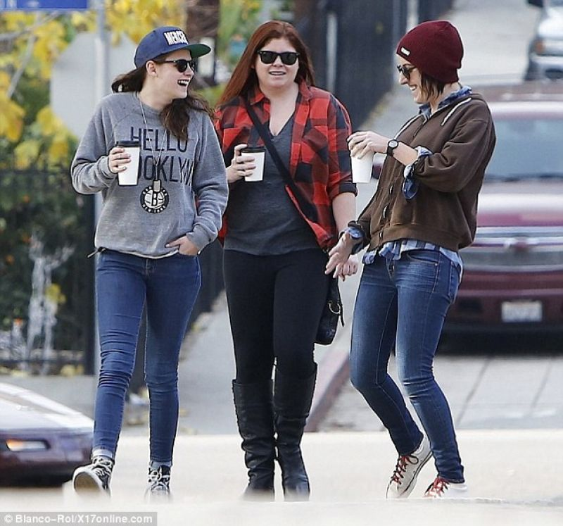 Kristen Stewart Jeans 2013 Images Galleries With A Bite