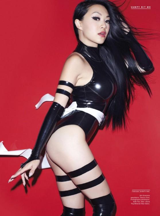 linda-le-aka-vampy-bit-me-fhm-magazine-singapore-december-2013-issue_4