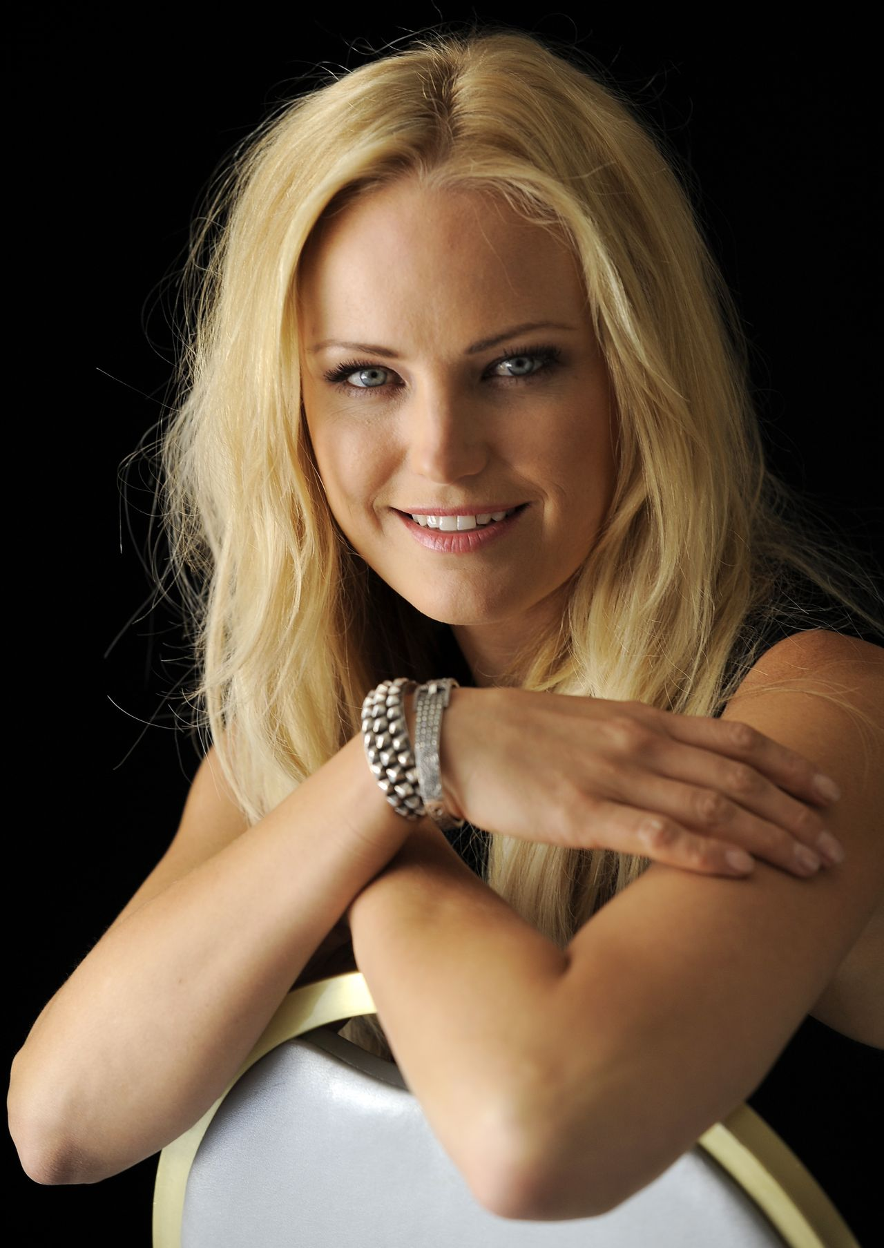Malin Akerman Photoshoot by Chris Pizzello – Portraits Year 2012: celebmafia.com/malin-akerman-photoshoot-chris-pizzello-portraits...