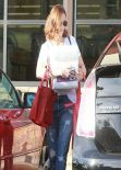 Mandy Moore Street Style - at Whole Foods in Los Feliz