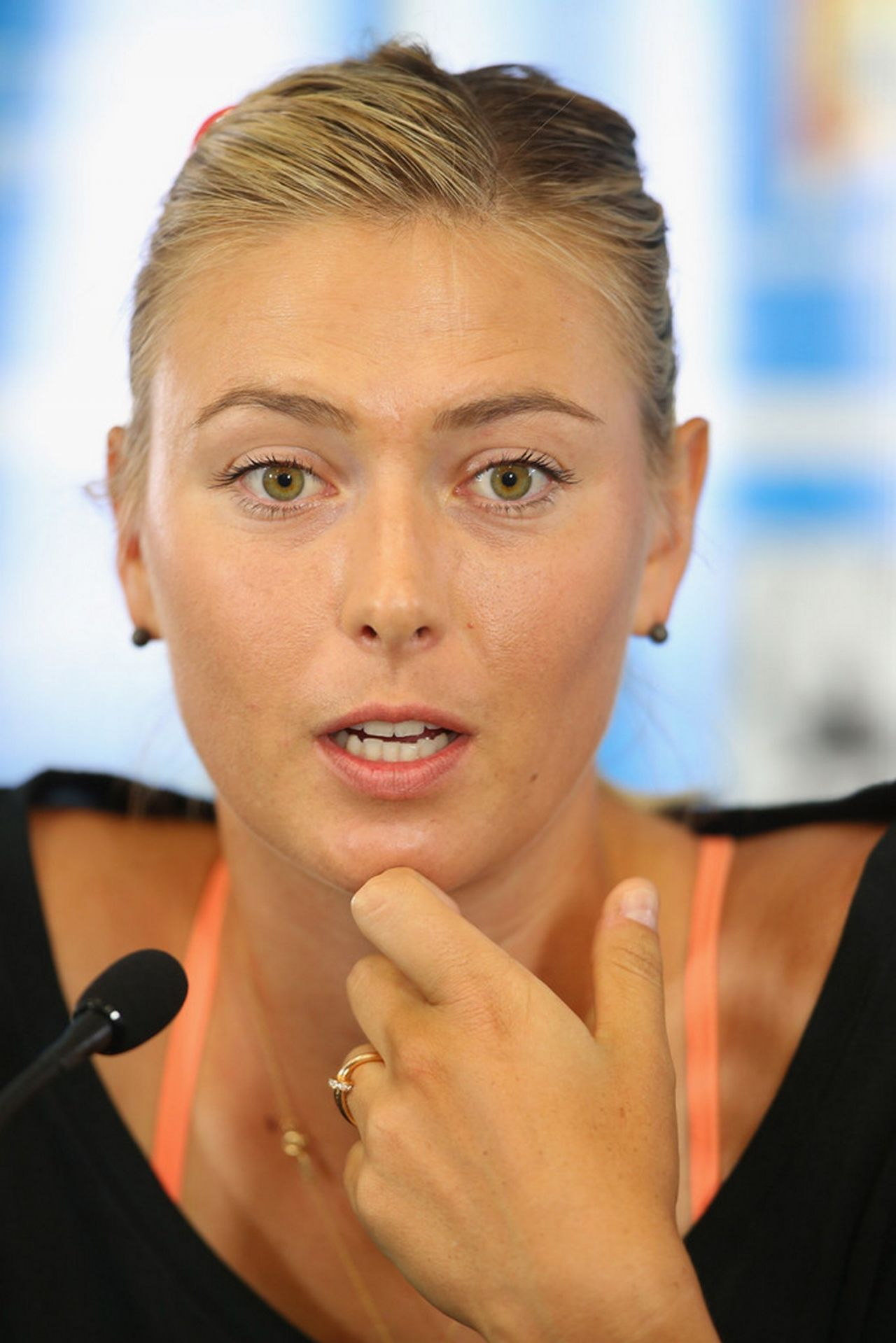 maria-sharapova-2014-brisbane-internatio