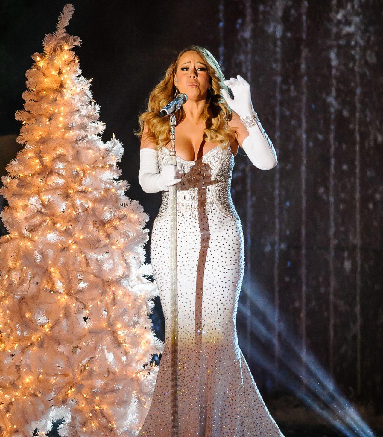 Rockefeller Christmas Tree Lighting 2014: Mariah Carey Performs At 81st Annual Rockefeller Center
