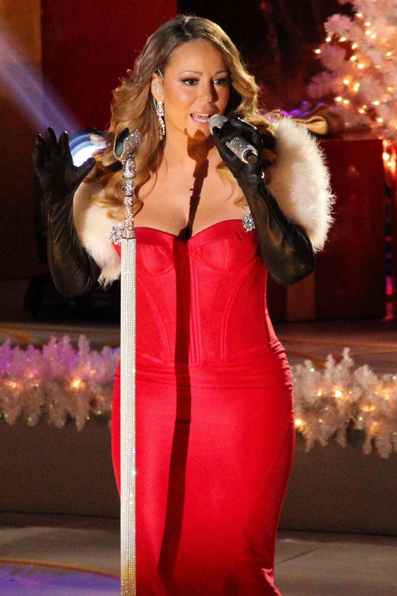Mariah Carey Performs at 81st Annual Rockefeller Center Christmas Tree Lighting u2013 Dec. 2013  sc 1 st  CelebMafia & Mariah Carey Performs at 81st Annual Rockefeller Center Christmas ...