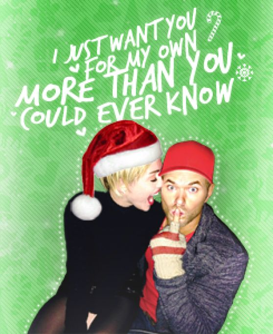 Miley Cyrus - Christmas Photo Booth (2013)