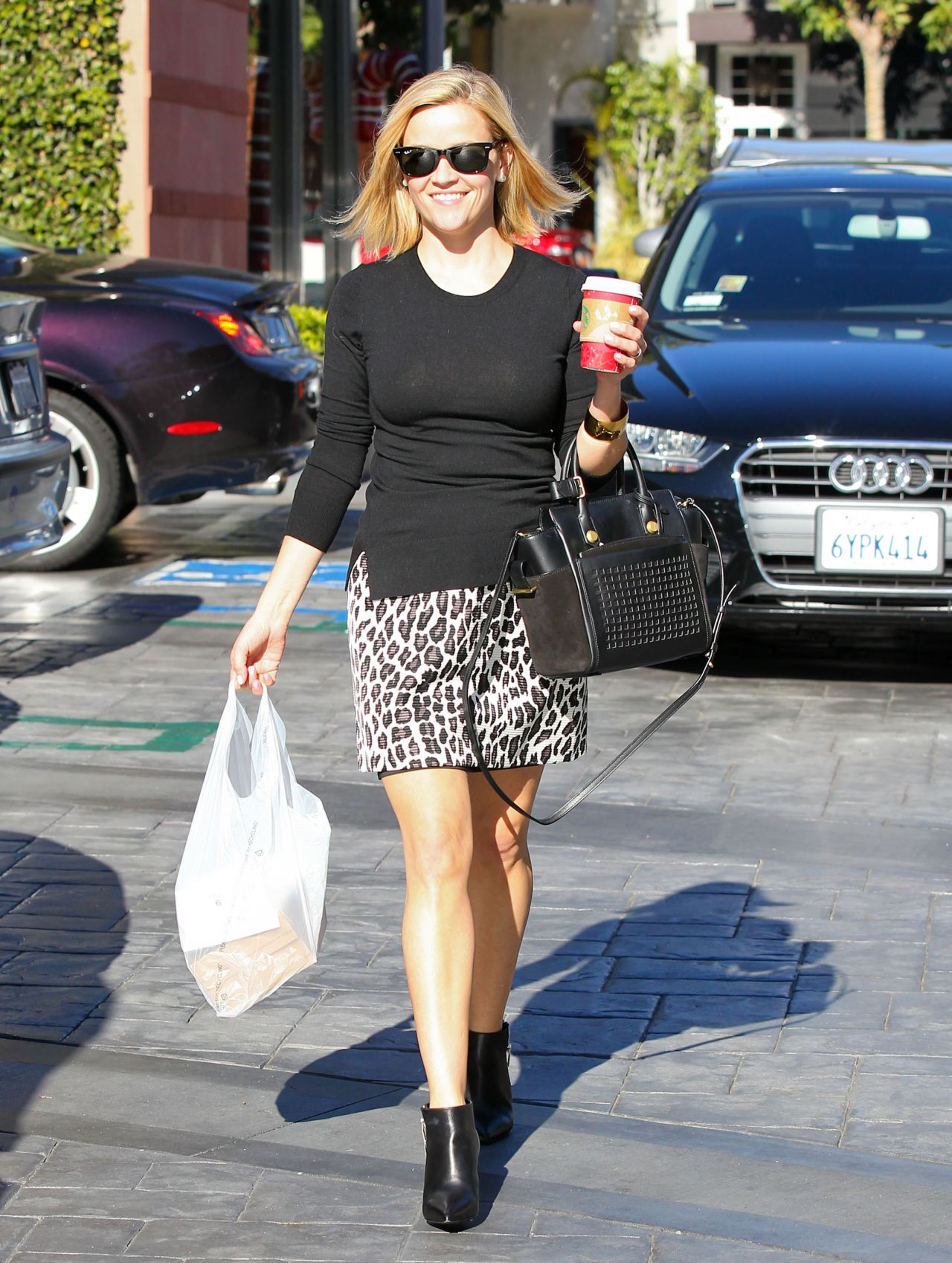 Reese Witherspoon - Lunch Time - West Hollywood December 2013