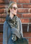 Rosie Huntington-Whiteley Street Style - Out for Shopping in Hollywood - December 2013