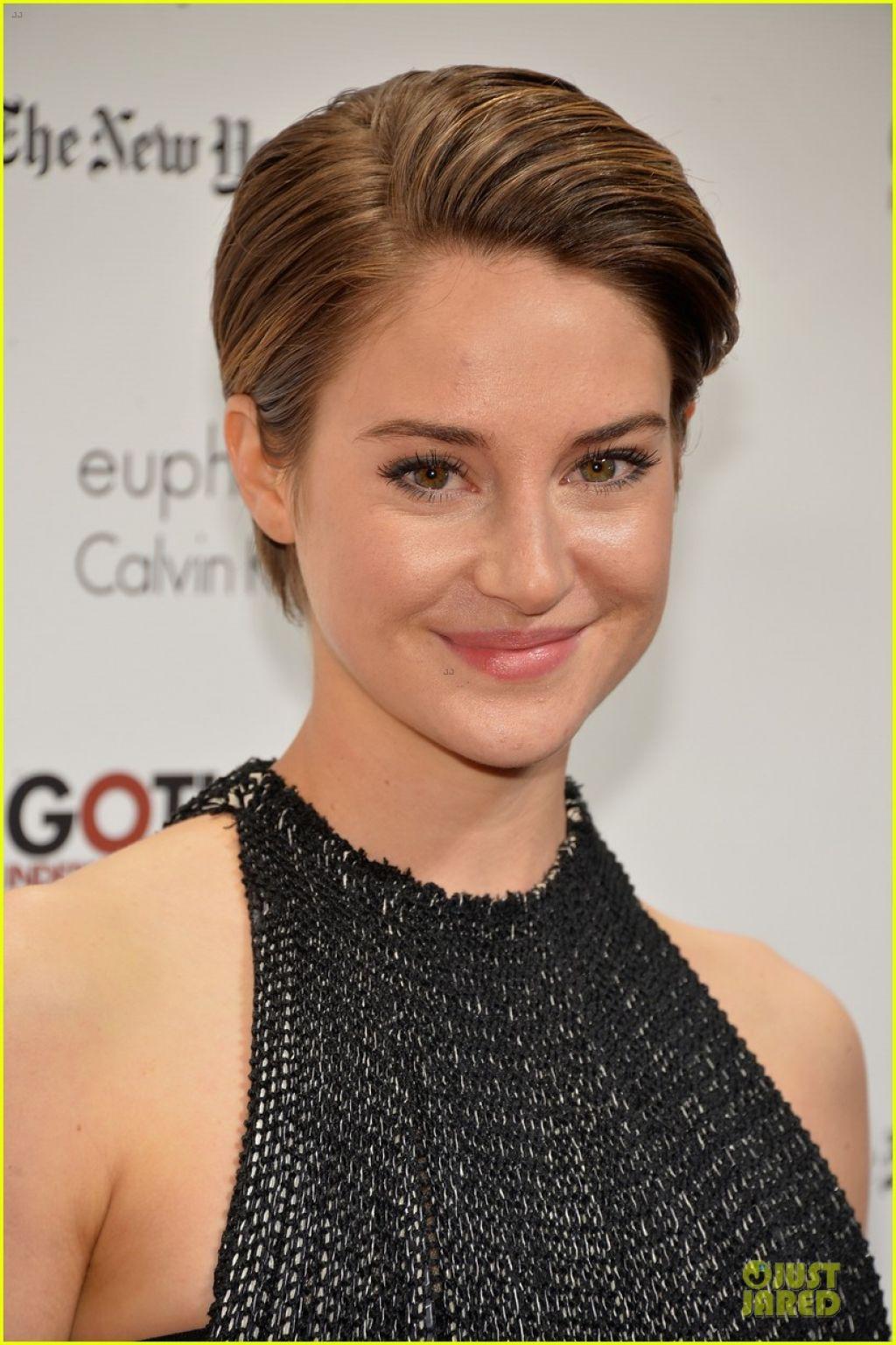 Shailene Woodley Red Carpet Photos - 2013 Gotham Independent Film Awards in New York City
