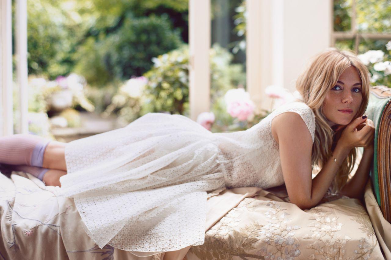 Sienna Miller - ELLE Magazine - November 2013 Issue