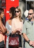 Taylor Swift Street Style - Shopping in Melbourne - December 2013
