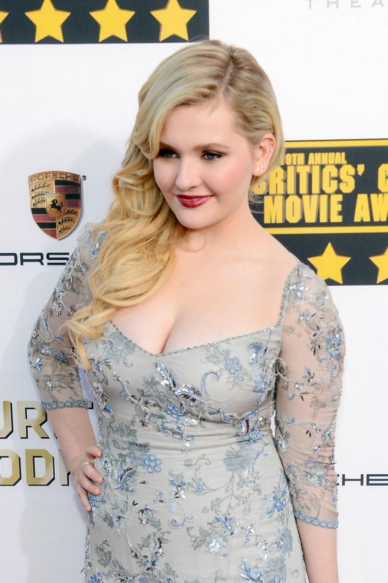 Abigail Breslin - 2014 Critics Choice Movie Awards in ...