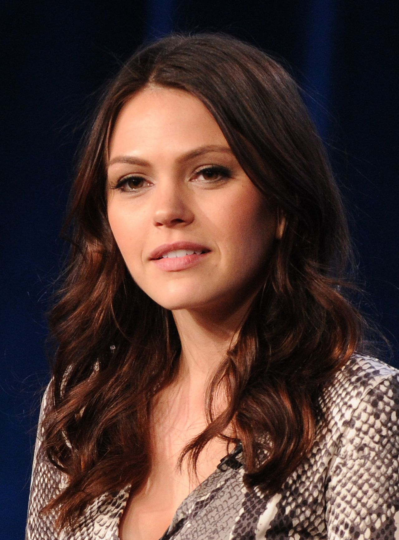 http://celebmafia.com/wp-content/uploads/2014/01/aimee-teegarden-star-crossed-panel-at-2014-tca-presentations-in-pasadena-january-15-2014_9.jpg