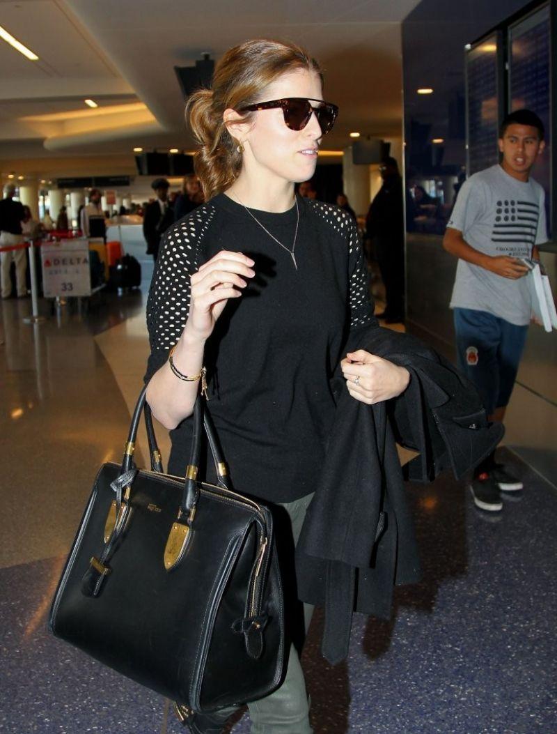 Anna Kendrick Street Style - LAX Airport, January 2014
