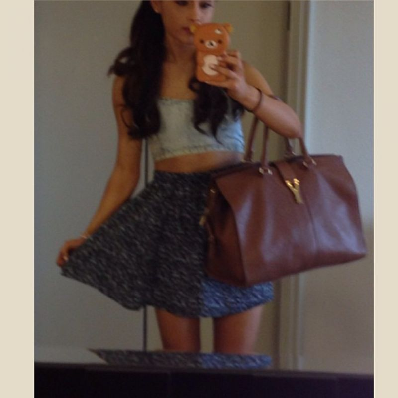 Ariana Grande Twitter Instagram and Personal Photos ...