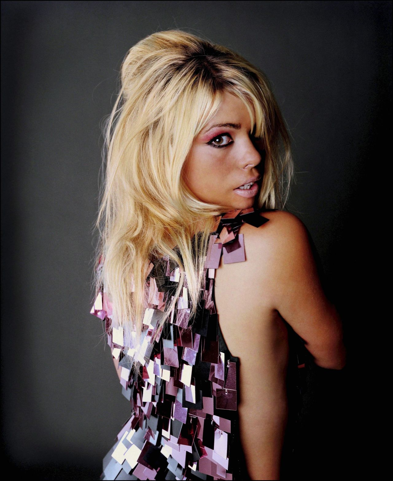 Communication on this topic: Robbi Chong, billie-piper/