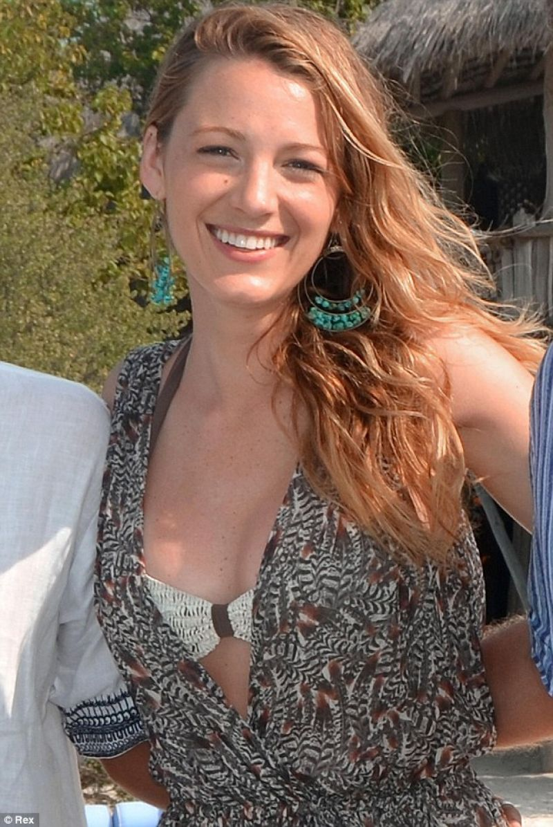 Blake Lively-  Maldives, January 2014