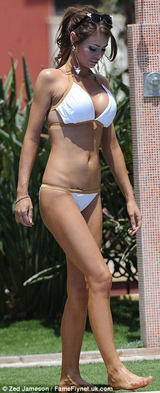 Sims Katelyn Bikini Cuz#3