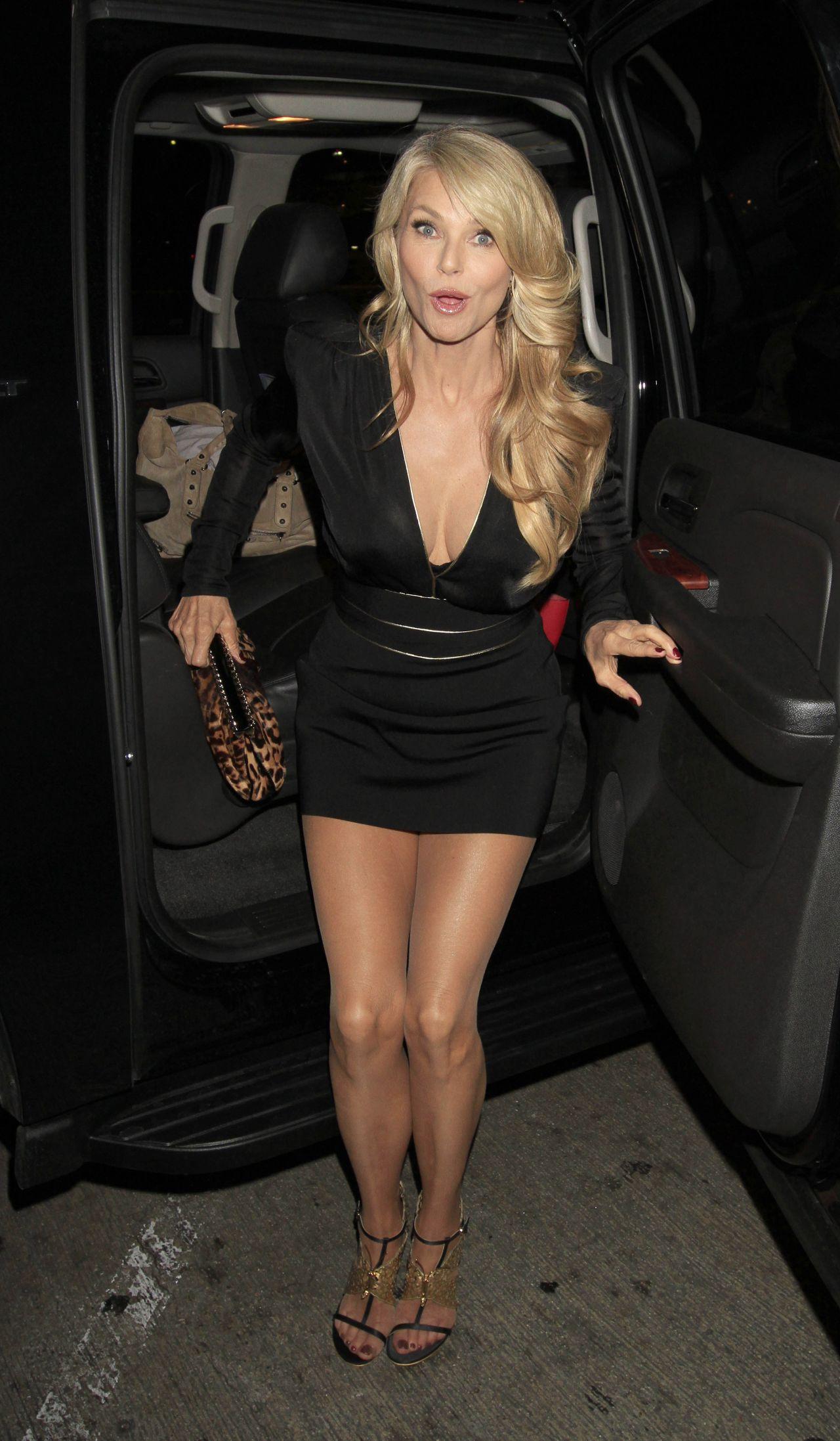 Christie Brinkley Style - Lax, January 2014-5465