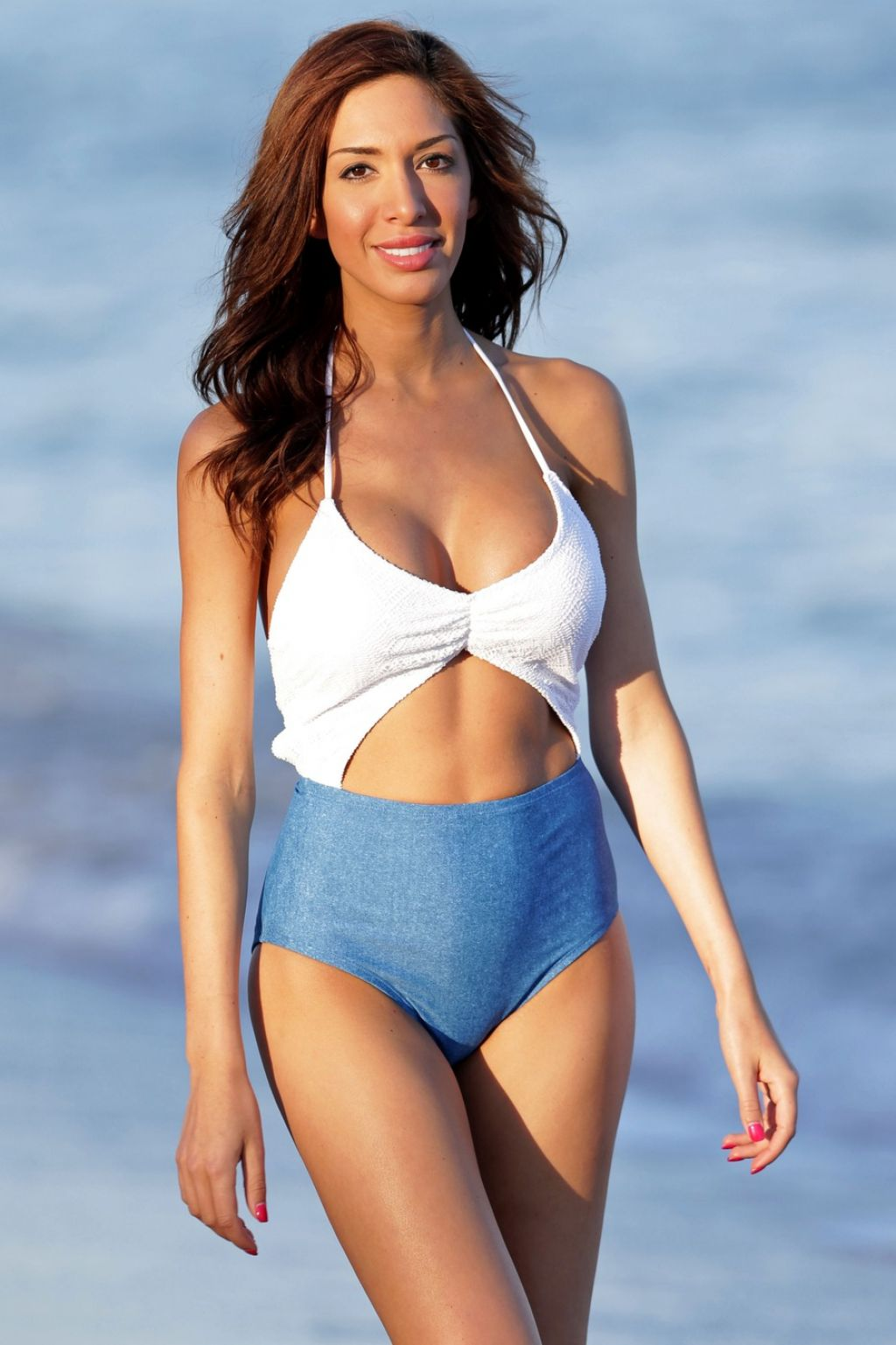Farrah Abraham In a Swimsuit - Throwing A Football Around At The Beach In Miami, January 2014