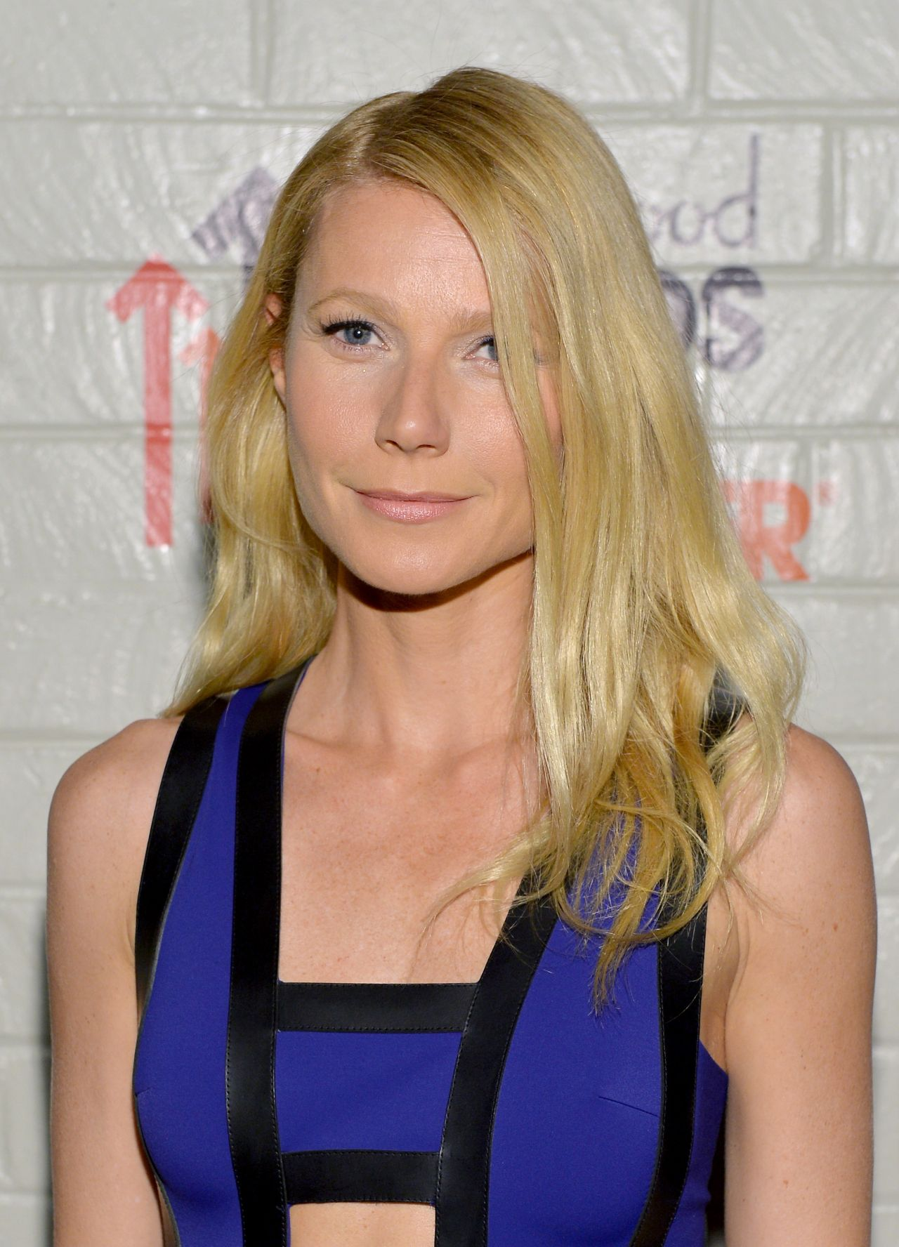 Gwyneth Paltrow - 2014 Hollywood Stands Up to Cancer Event