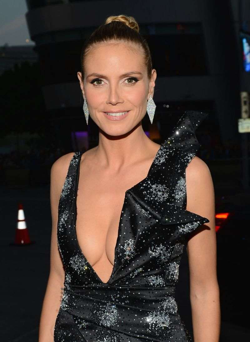 Heidi Klum In Giorgio Armani – 2014 People's Choice Awards