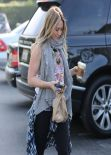 Hilary Duff Street Style - Shopping at Bristol Farms in Beverly Hills - January 2014