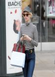 January Jones Street Style - Shopping in Los Angeles - January 2014