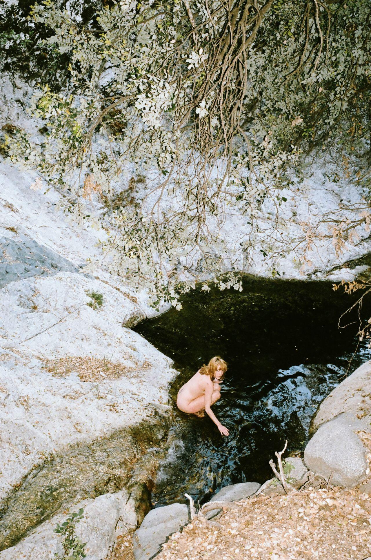 Emma Stone Vanity Fair Photoshoot Jena Malone - Photosho...