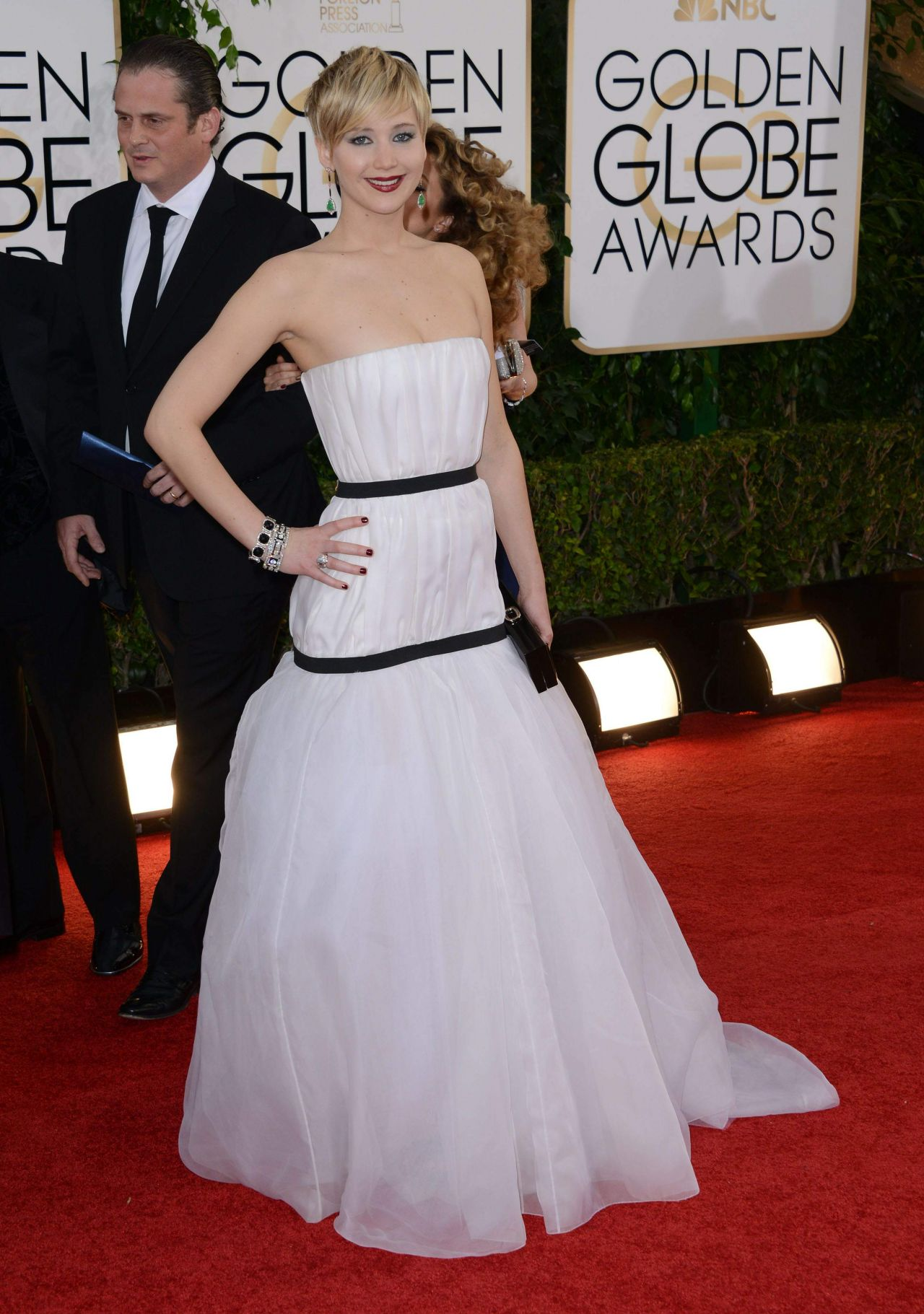 Jennifer lawrence golden globe awards 2014 red carpet ceremony and