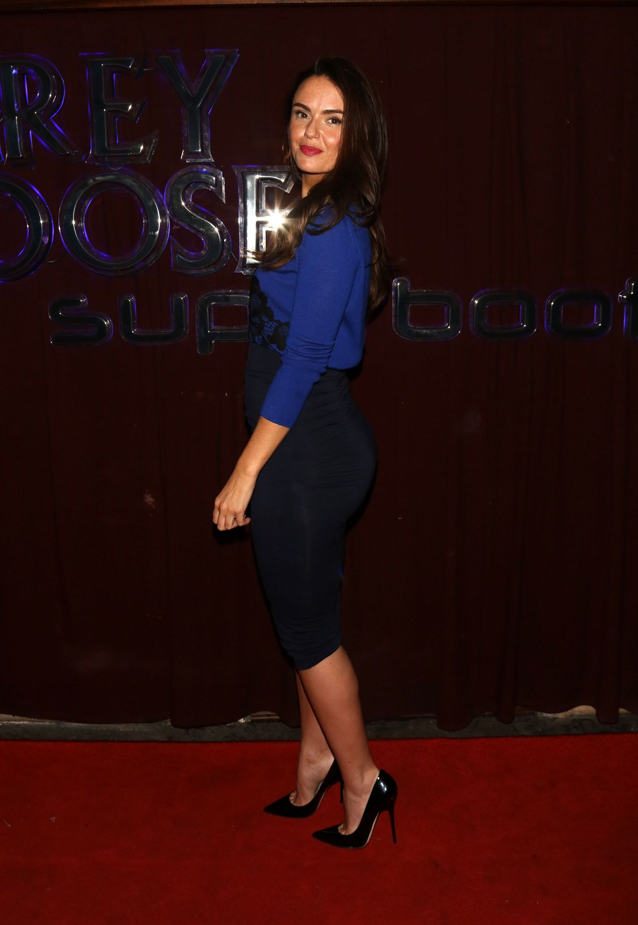 Jennifer Metcalfe Night Out Style - Panam Bar in Liverpool, January 2014