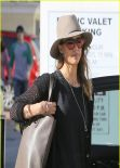 Jessica Alba Does Some Christmas Shopping - out in Beverly Hills - January 2014